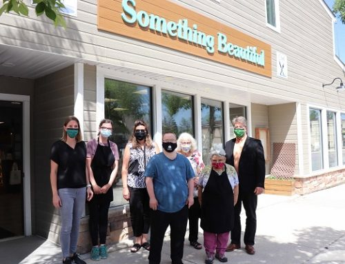 Community Living Interlake / Something Beautiful spreads joy to staff at Stonewall & District Health Centre and Rosewood Lodge Personal Care Home